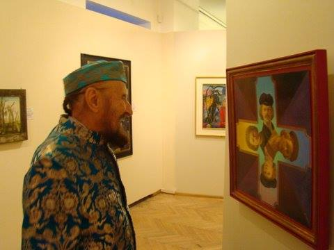Ernst Fuchs looking at Fritz Janschka painting at the Phantasten Museum Wien